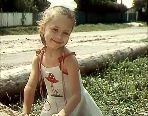 Короткая жизнь Юлии Космачевой - девочки, сыгравшей Галюню в фильме «Белые росы»